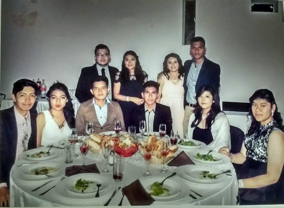Cena baile en el salon barlovento Hector (jefe de grupo), Wendy, Luis David, Karla, Zuleyma, Samuel, Patricia y Vanessa